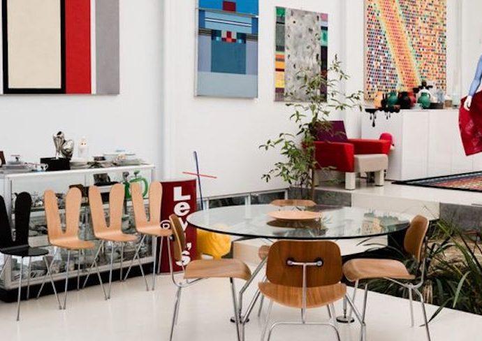 idee deco salle a manger style arty table en verre chaises design decoration murale