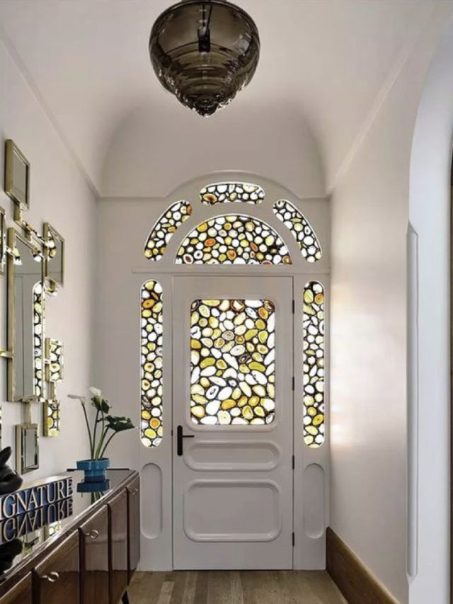 optimiser lumiere entree porte vitrail