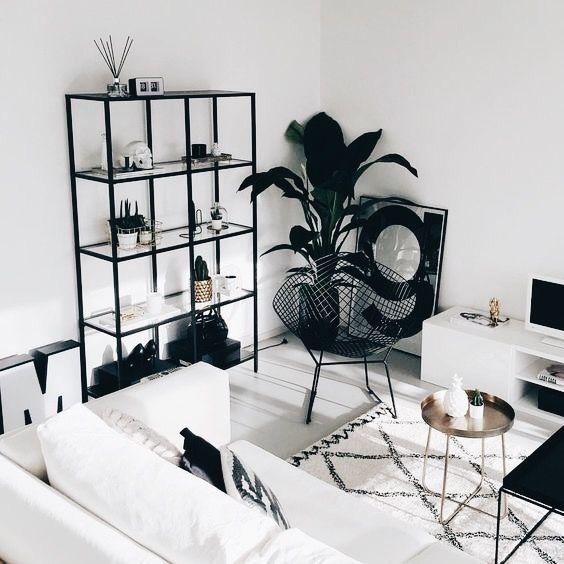 salon blanc style nordique exemple etagere noire