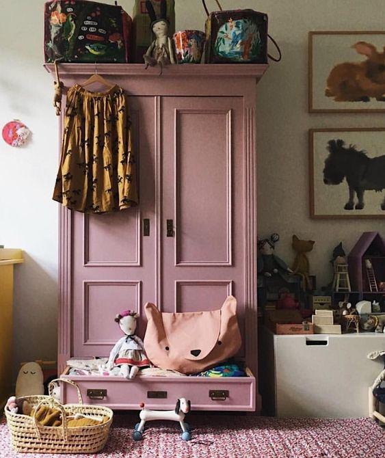 style classique chic armoire parisienne rose enfant