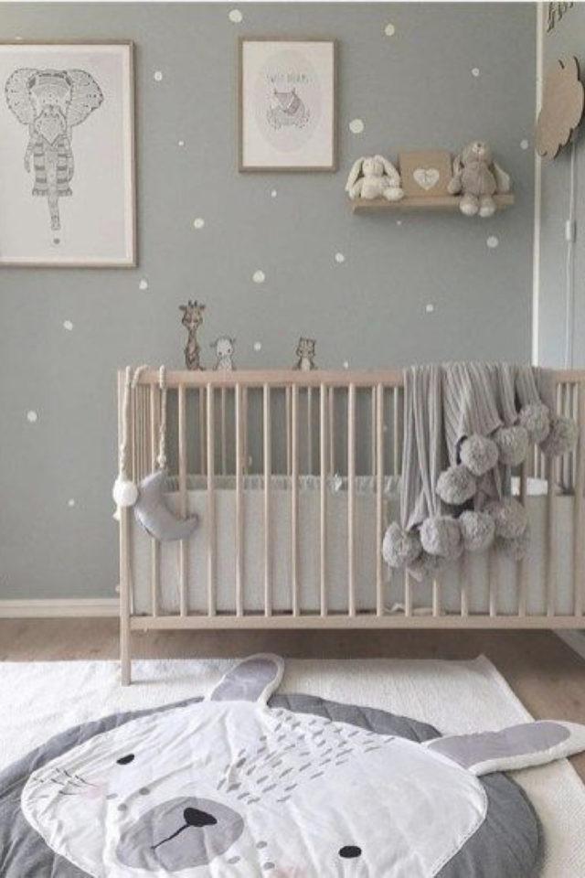 ambiance neutre chambre bebe exemple douceur et petits pois blancs
