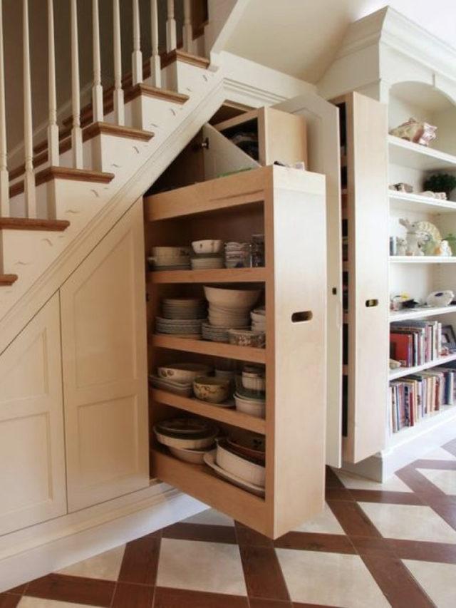 amenagement sous escaliers exemple rangement coulissant gain de place