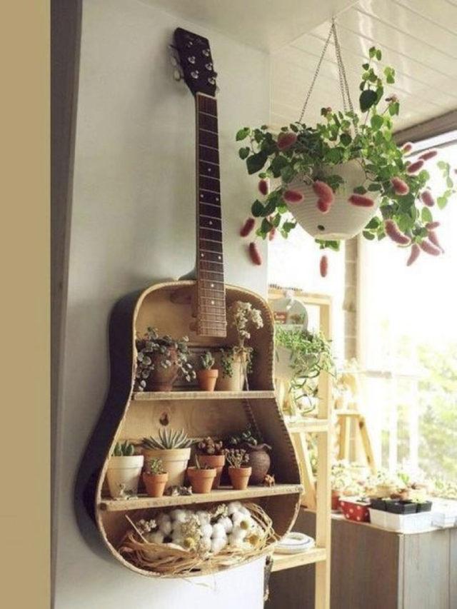 decorer avec guitare exemple recupe etagere plantes