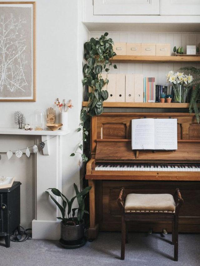 decorer avec piano exemple cheminée etagere plante
