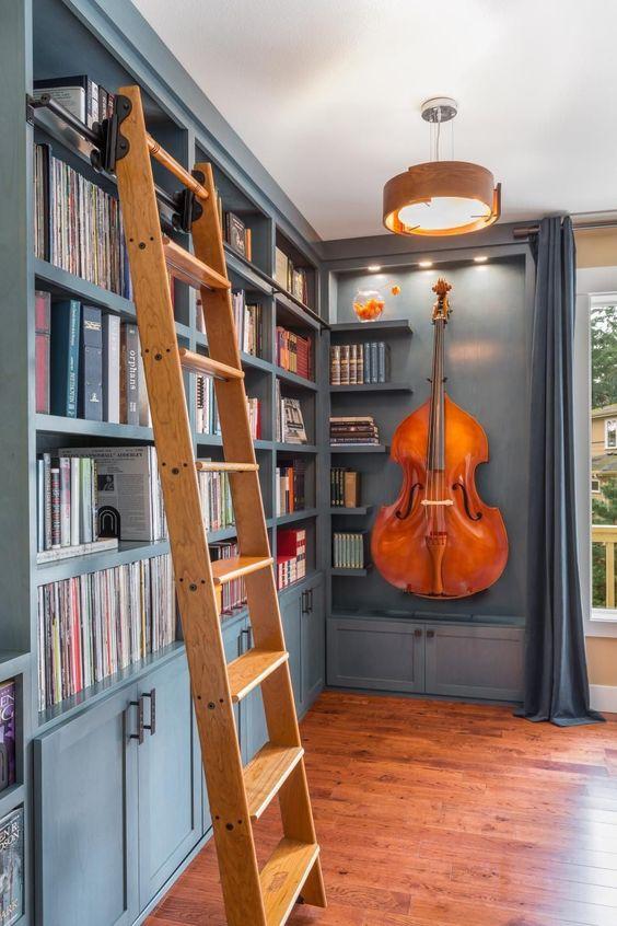 decorer instrument classique exemple contrebasse bibliothèque classique chic