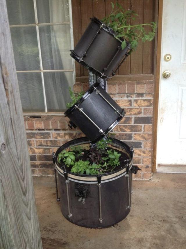 instrument recup batterie decoration exemple jardiniere exterieure plante