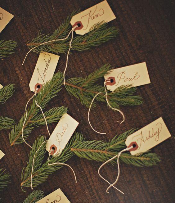 marque place diy noel petite branche de spin avec étiquette prénom