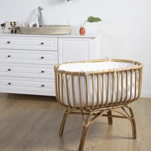 meuble bebe chambre decoration neutre berceau rotin vintage