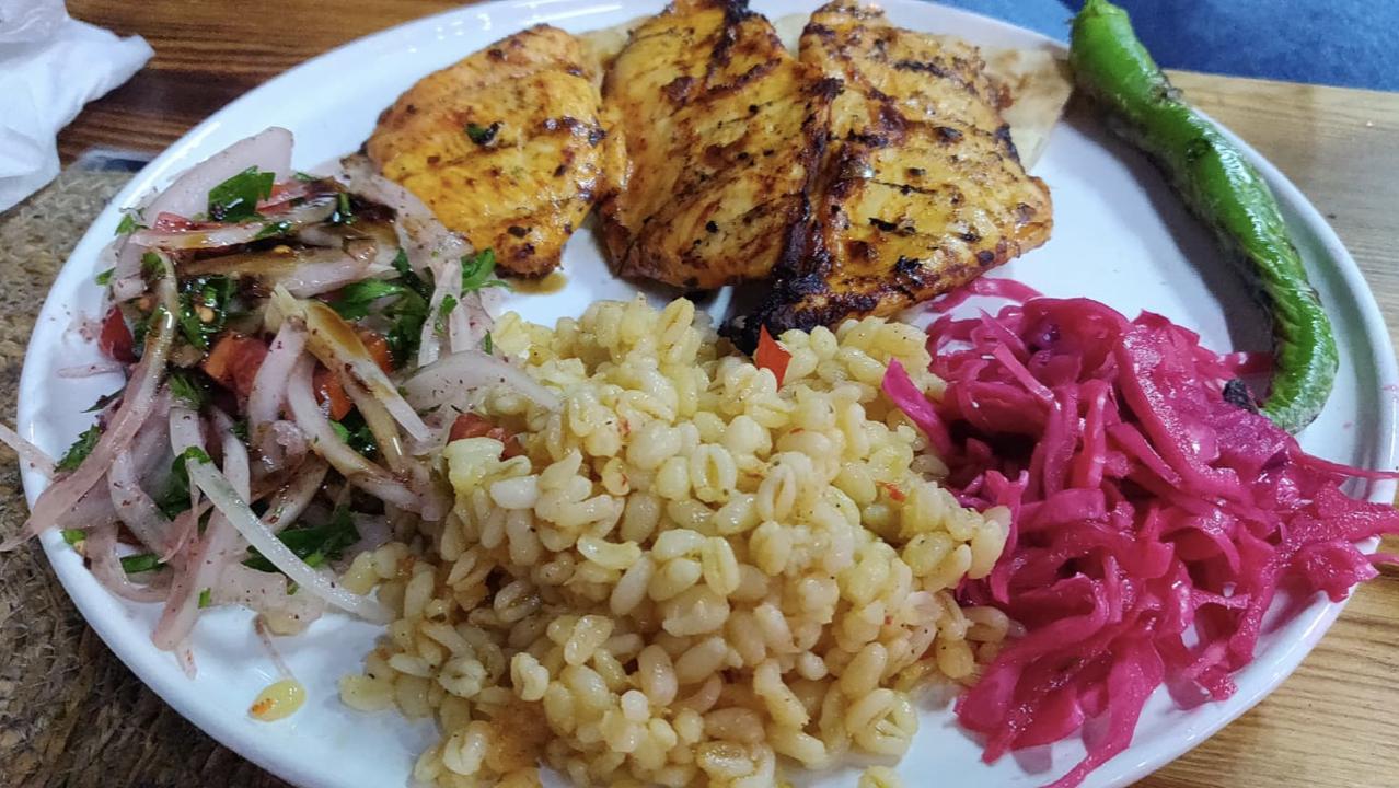 on mange quoi turquie istanbul viande poulet barbecue