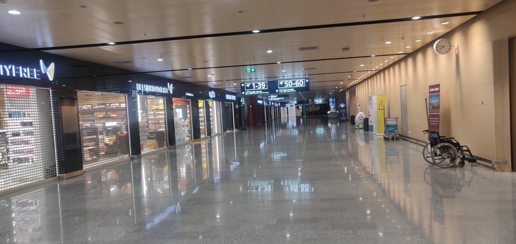 quotidien nomade 2020 aéroport Helsinki