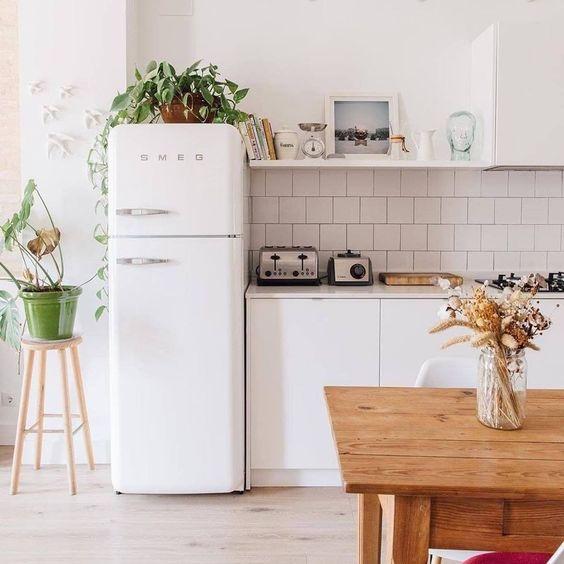 reve decoration cuisine frigo smeg blanc