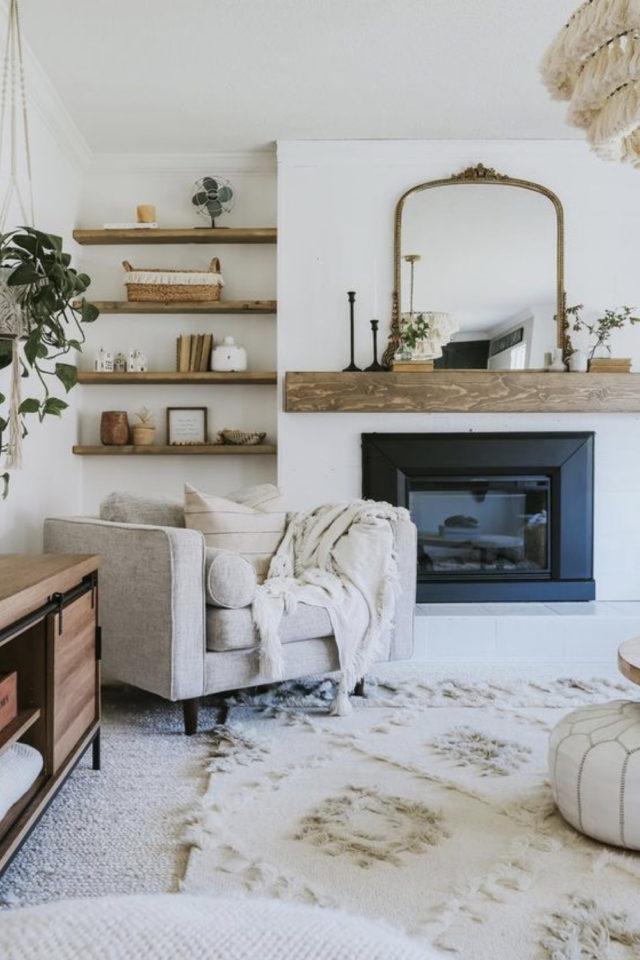 salon cosy nesting exemple  fauteuil XXL couleur neutre cheminée ambiance classique cosy chic