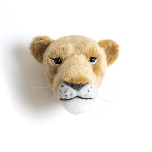 chambre enfant decoration animaux trophée mural tête de lionne peluche