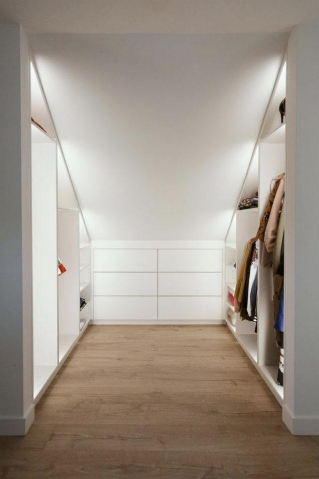 combles aménagés dressing exemple idée intérieur organisé gain de place