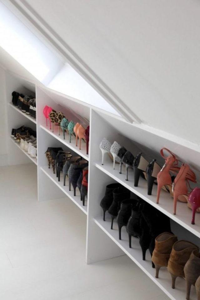 combles aménagés dressing exemple solution gain de place rangement chaussures