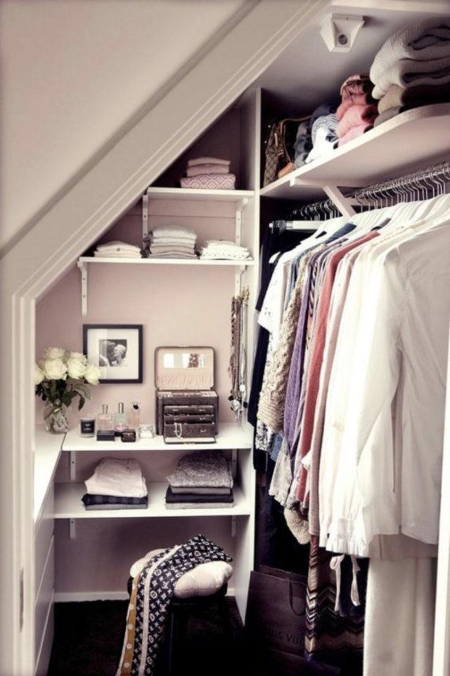 combles aménagés dressing exemple pas cher etagère