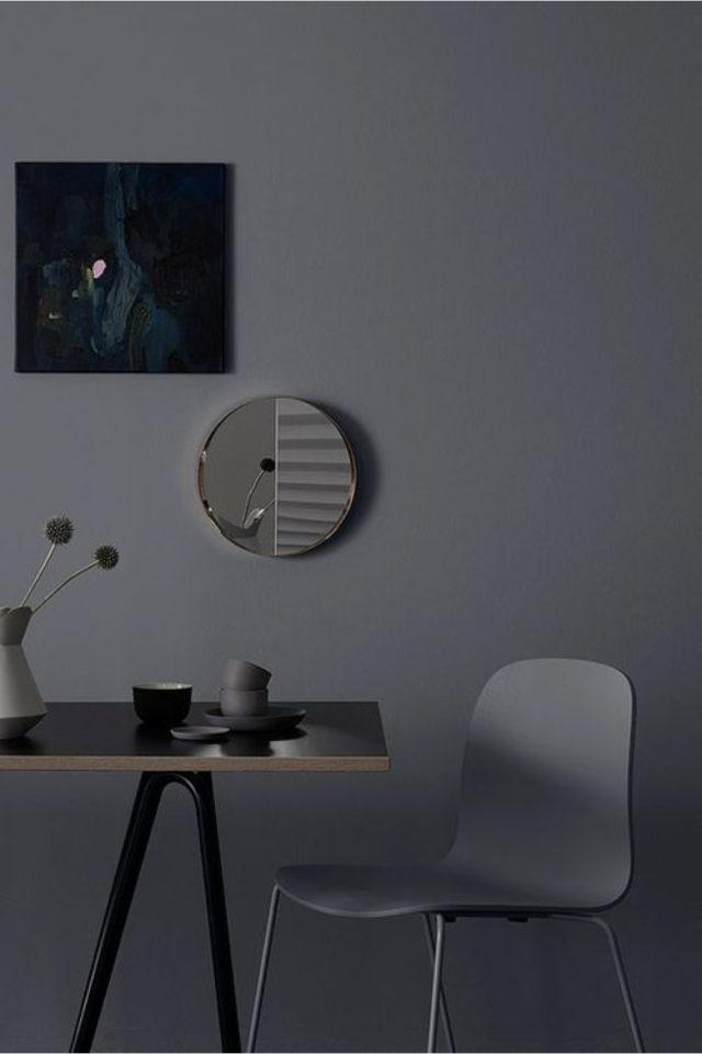 comment utiliser gris foncé déco salle à manger chaise grise ambiance moderne