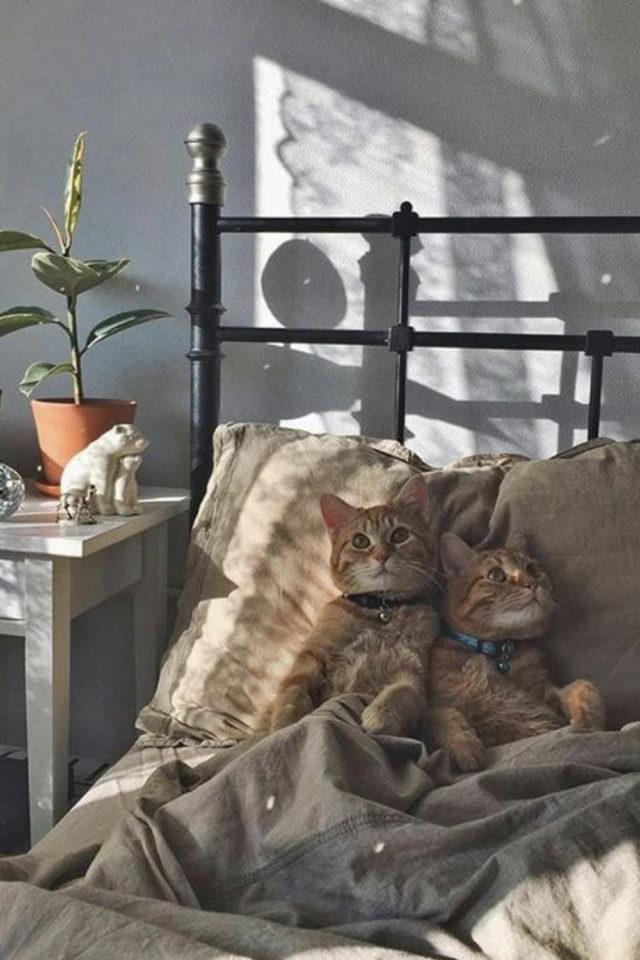 de la deco et des chats lit décoration chambre lit en métal