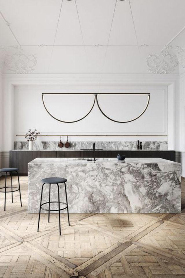 deco gris clair exemple ilot cuisine ouverte en marbre grand espace elegance
