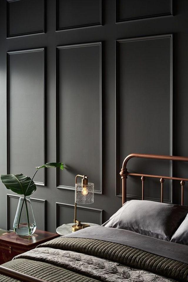 deco interieur couleur gris exemple peinture ton sur ton boiserie moulures murales gris sombre