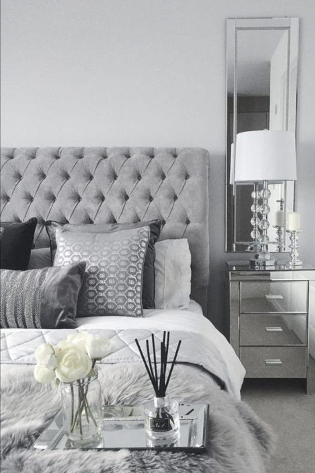 deco interieur couleur gris exemple textile classique tête de lit capitonnée décoration chambre à coucher