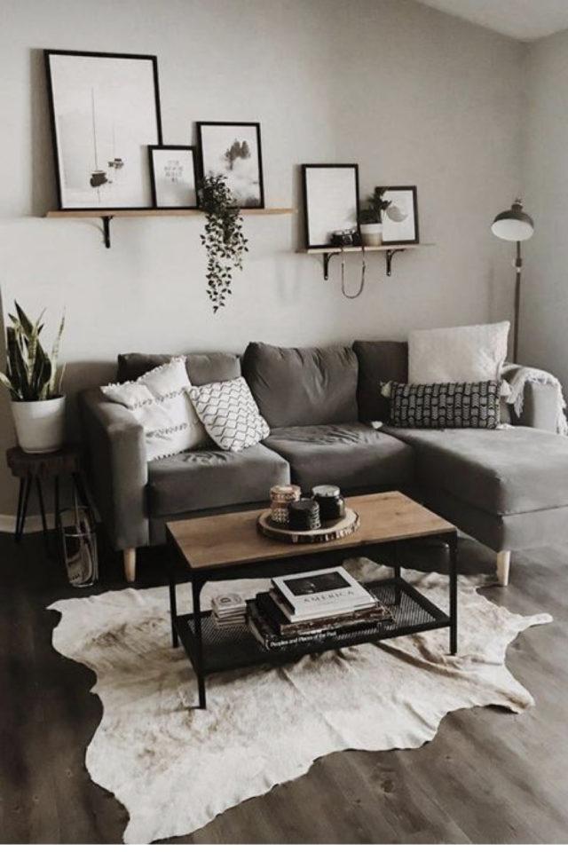 deco interieur couleur gris exemple canapé angle gris mur gris beige lin tapis clair et table basse metal bois