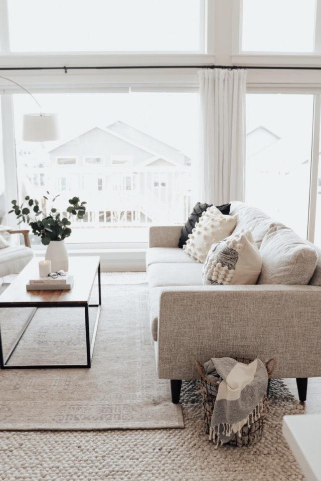 decoration amenagement salon canape convertible pas cher blanc beige chiné style moderne et élégant