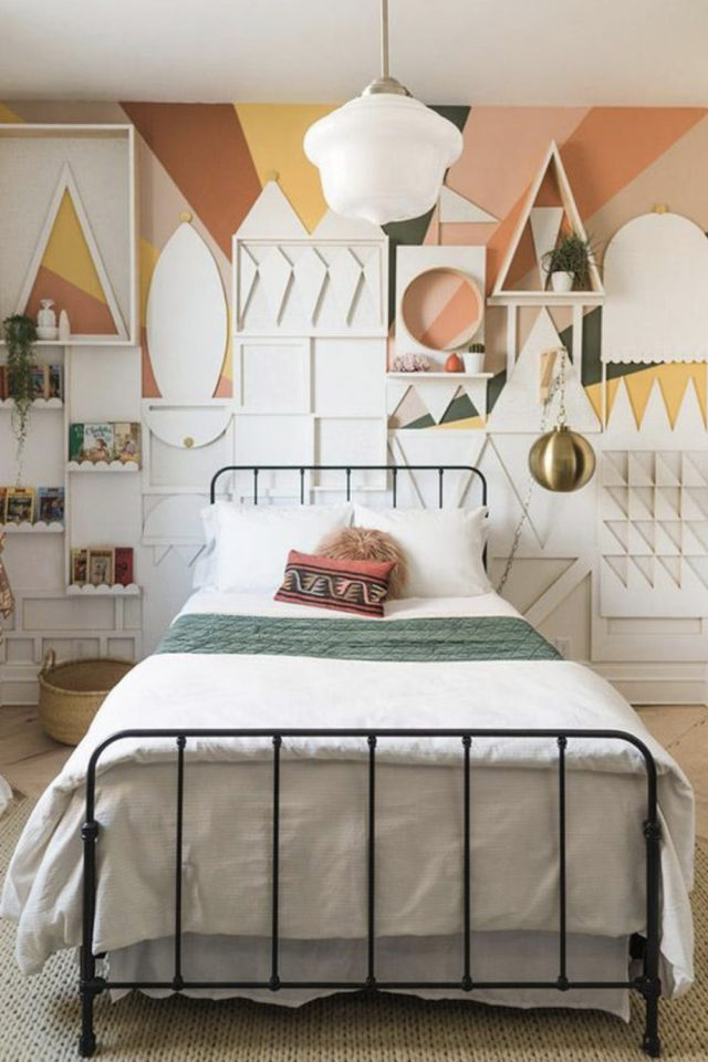 decoration chambre enfant lit metal exemple decor mural original et moderne couleur chaude
