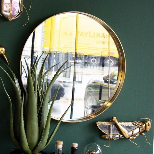 decoration petit prix maisons du monde soldes 2021 miroir rond moderne encadrement laiton doré