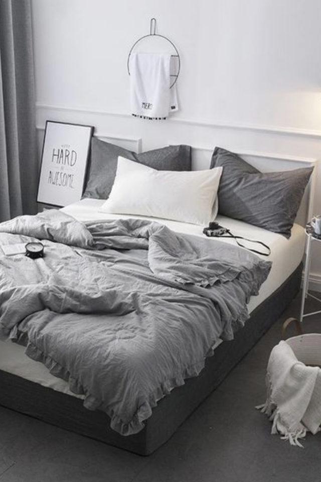 idee deco a copier gris chambre adulte blanche parure de lit cosy nesting gris clair