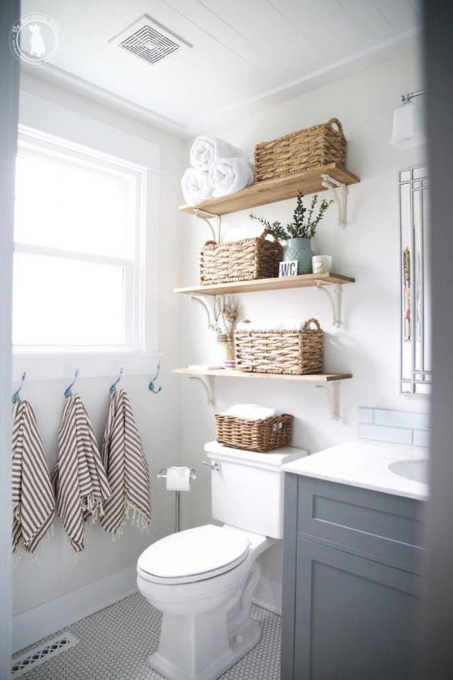 où gagner place chez soi salle de bain étagere au dessus des toilettes