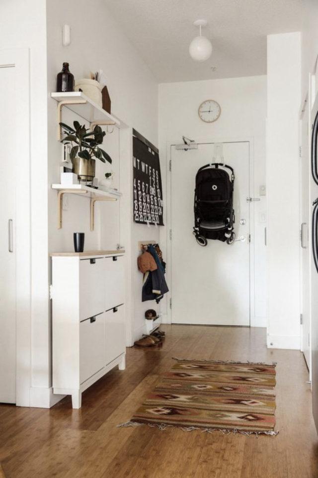 petite entree meuble a chaussure exemple petit espace moderne et tendance blanc lumineux