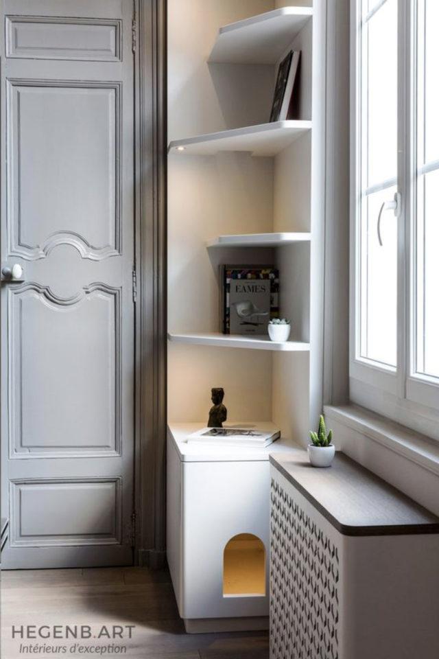 quels espaces amenager pour gagner place meuble d'angle avec niche pour chat et étagères de rangement