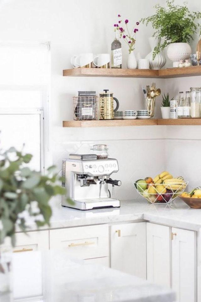 quels espaces amenager pour gagner place cuisine étagères angles decoration moderne