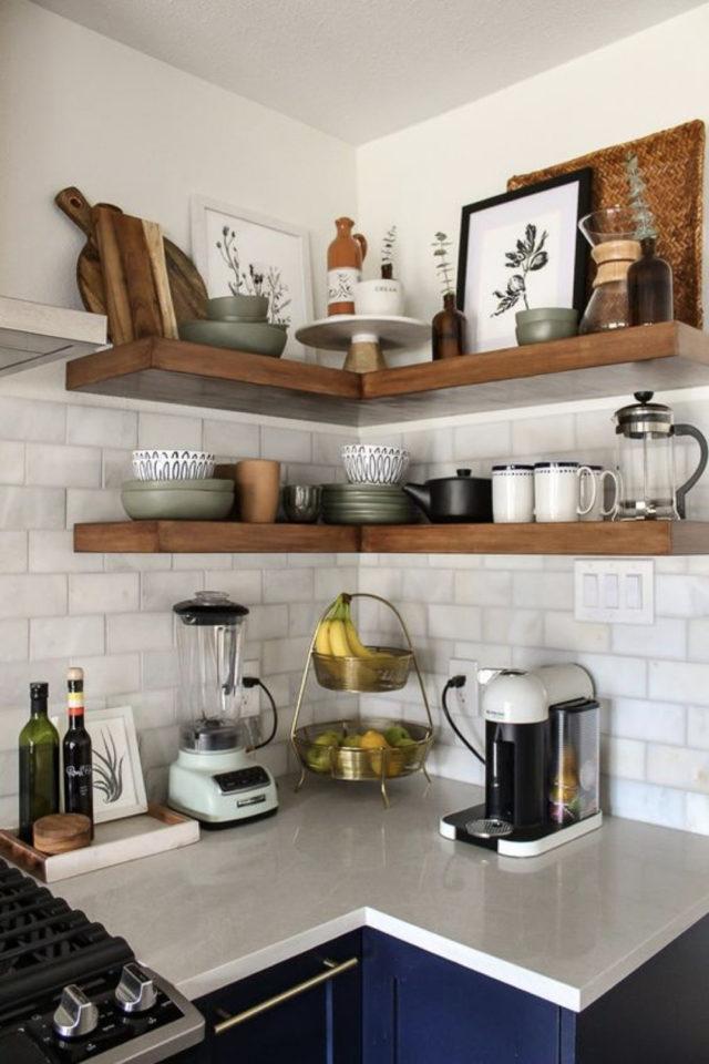 quels espaces amenager pour gagner place cuisine étagères angle exemple