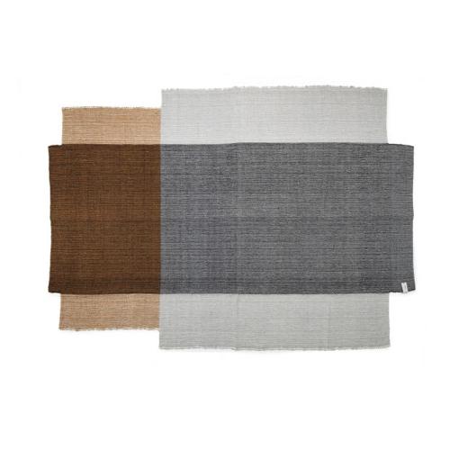 salon accessoire deco design gris tapis gris beige terracotta