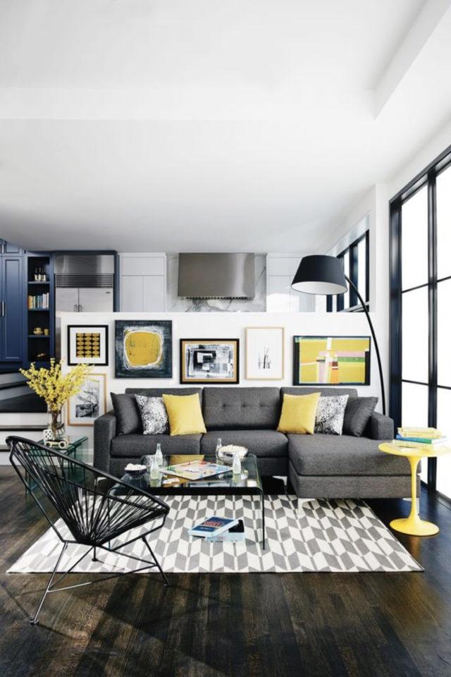 salon deco gris et jaune 2021 ambiance moderne détail coloré