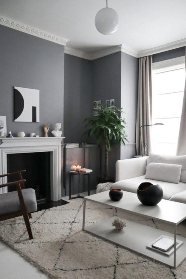 salon gris style classique chic murs gris cheminée blanche