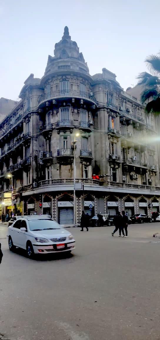 architecture patrimoine centre ville Caire façade angle de rue baroque classique