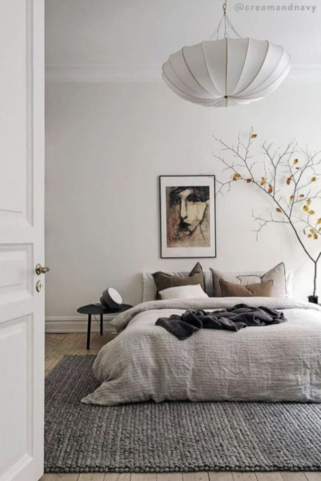 chambre deco minimaliste exemple linge de lit lin lavé gris naturel grand tapis en laine gris