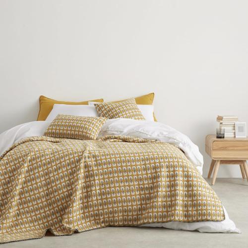chambre etudiante mobilier decoration plaid jaune motif moderne