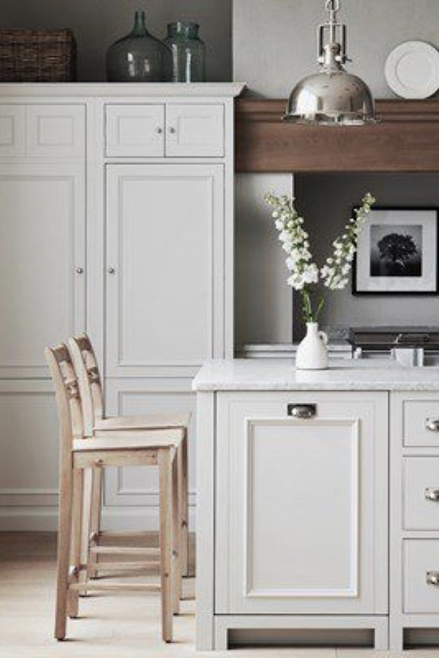cuisine classique chic couleur exemple façade de meuble clair couleur craie calcaire blanc