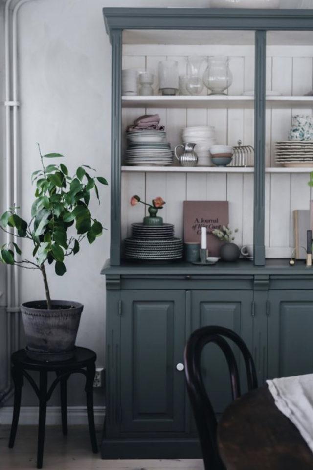 cuisine style classique chic exemple vaisselier ancien peinture récup élégant