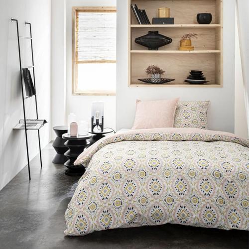 deco meuble chambre etudiant parure de lit motif moderne