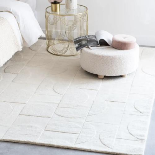 deco minimaliste chambre pas cher tapis blanc beige