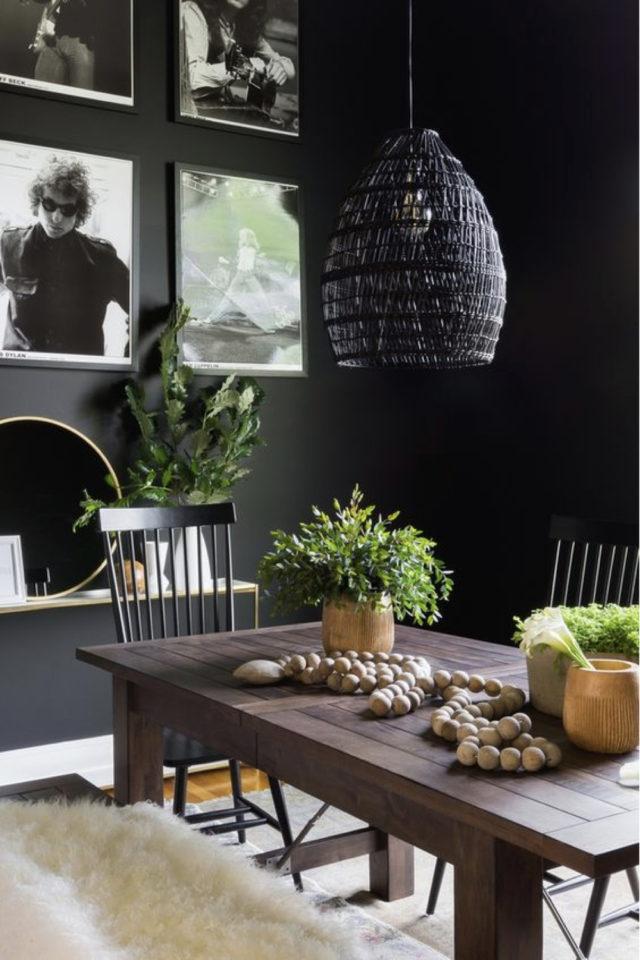 decoration interieure rock materiaux table salle a manger bois brut patiné