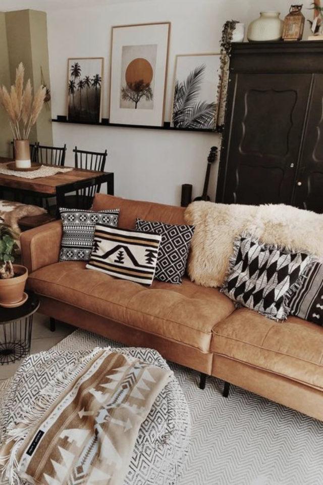 decoration moderne salon canape cuir exemple décor moderne style boho chic et élégant tapis coussin plaid