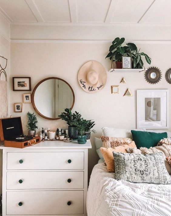 gain de place chambre exemple commode table de nuit décoration moderne