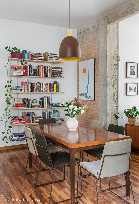 gain de place petite salle a manger exemple petit logement moderne bibliothèque murale