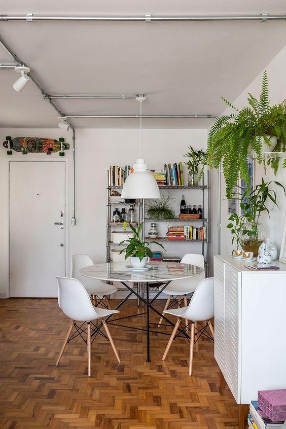 gain de place petite salle a manger exemple table ronde bibliothèque espace ouvert